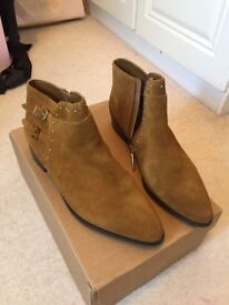Brown suede ankle boots, size 41 uk 7