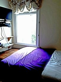 Double room in beautiful house in ACTON. Inclusive of all bills £600pcm. W3 8AZ .