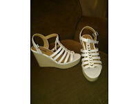 Platform shoes - white and silver