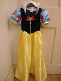 Kids dressing up clothes bundle age 7-8 yrs