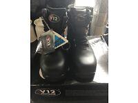 V12 thunder hiking safety boots size 4 new