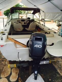 Savage Gannet 4.35 boat 40hp 4 stroke Yamaha