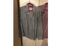 2 x Men's XL Casual Shirts - 1 Long Sleeved 1 - Short Sleeve