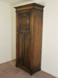 VINTAGE 1920'S CARVED OAK TALL HALL ROBE CUPBOARD WARDROBE FREE DELIVERY IN THE GLASGOW AREA