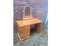 Lovely pine dressing table and mirror with drawers. Q