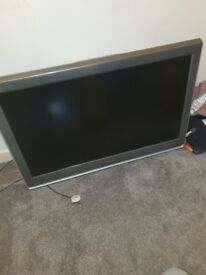 toshiba 40 ich tv with stand need screws for stand