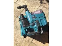Makita sds18v + vacuum