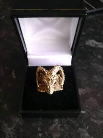 9ct gold ram head ring