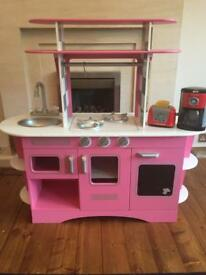 **Reduced** Kids wooden kitchen
