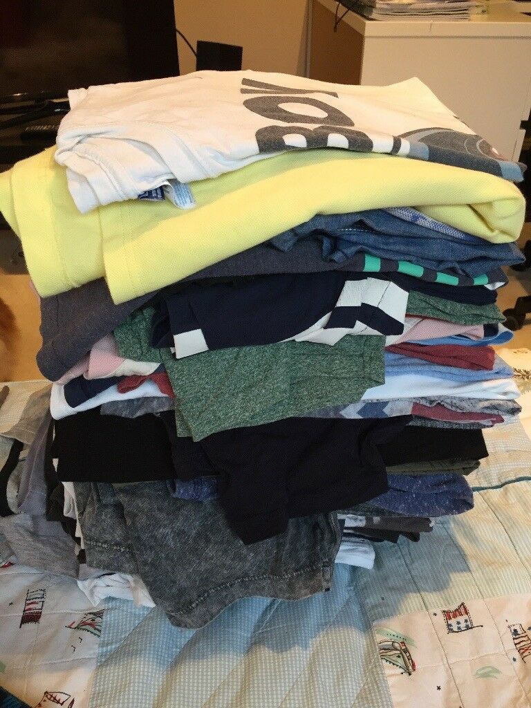Job lot of t shirts age 12-14 excellent condition. All expensive brands.