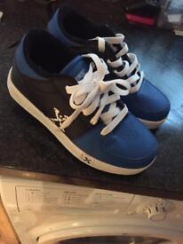 Size 2 heeleys new