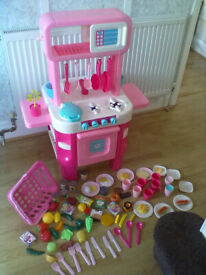 Early Learning Centre Beautiful Pink Play Kitchen-Roundhay Park LEEDS 8 - Can Deliver