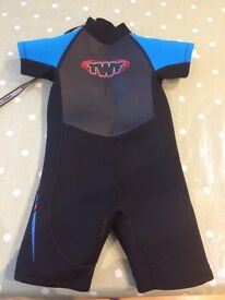 Kid's Shortie Wetsuit. Size O4