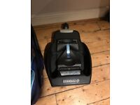 FREE TO COLLECT from e15 Maxi cosi car seat and Is