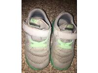 Nike trainers child's 7
