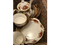 Royal Albert - 'Old Country Roses' - Bone China Tableware - Extensive Collection