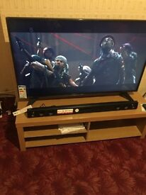 Hi selling my lg smart tv only Few days old selling cos I need cash urgently