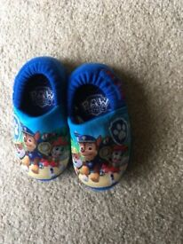 Paw patrol boys slippers size 4/5