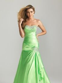 Prom dress Size 8- donation to Alzheimer Scotland only