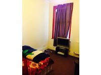 2 BEDROOM FLAT IN EAST HAM FOR £1300