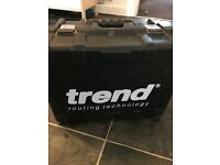 Trend t11 el router like new