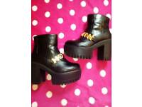 Girls chunky block boots
