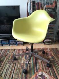Original Vitra Eames Armchair