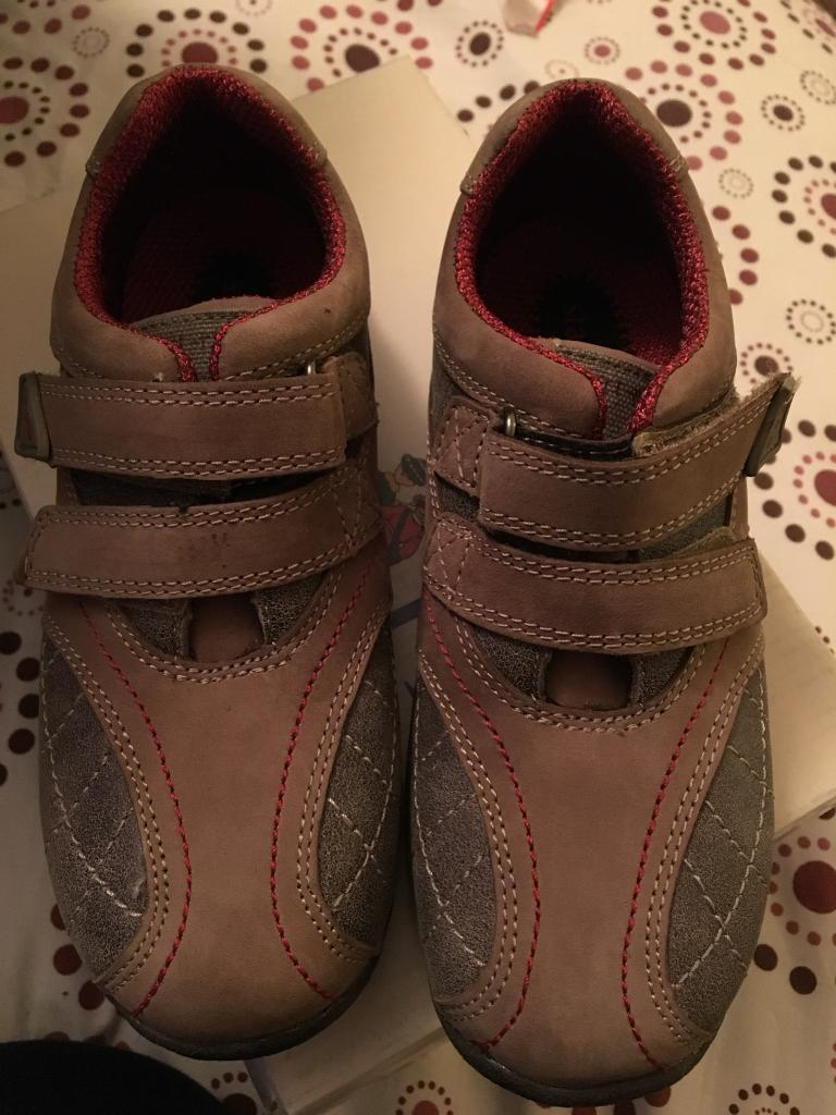 Boys start rite shoes 12 1/2 F new in box
