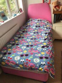 Girls single pink bed