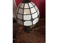 Tiffany style table lamp in great condition