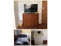 Bright cosy 1 bedroom Festival or student