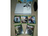 Xbox one 500gb, 3tb hard drive and 5 games