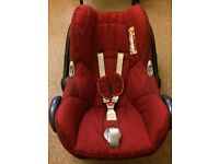 Maxicosi car seat with easy base 2 for sale