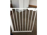 Baby dan narrow baby gate