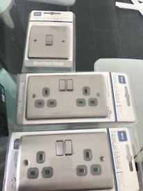 2 x sockets 1x light switch