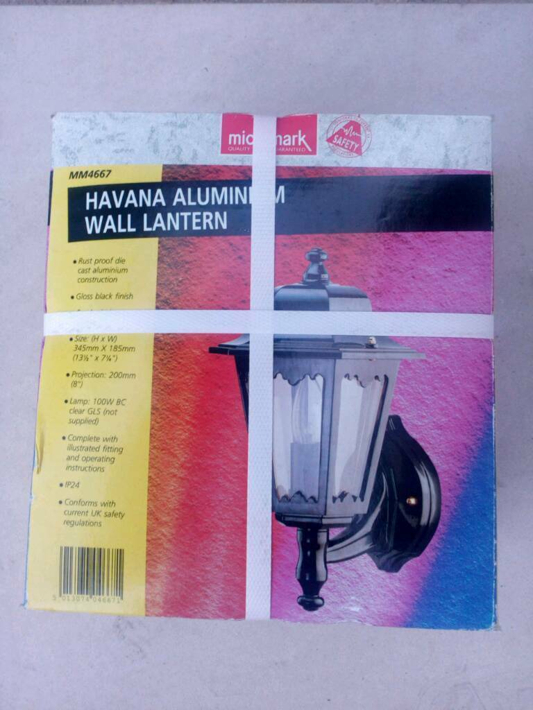 Outside wall lantern Rust Proof Die Cast Aluminium Smoked Glass Panels Brand New in Box