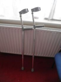 Crutches – Pair – Adjustable Height