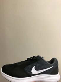 Brand new nike trainers size 6