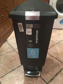 Pedal rubbish bin 40l brand new