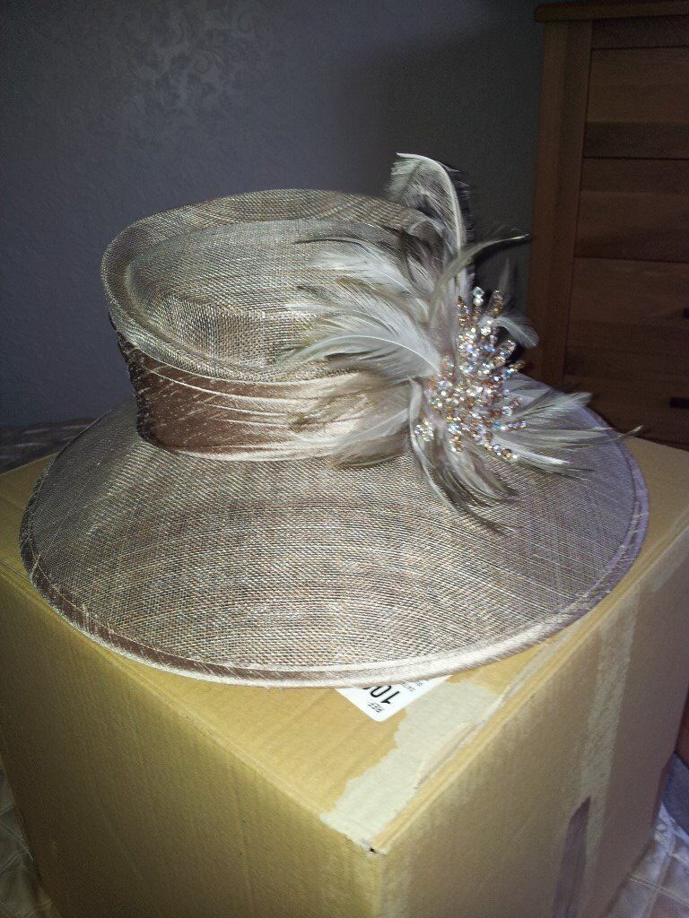 Ladies Sue Mackintosh Designer Wedding hat.