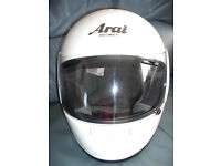 ARAI AXCES POLAR WHITE SIZE LARGE.