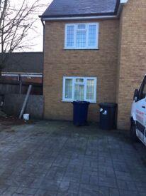 2 bedroom flat in Greenford Road, Greenford, UB6
