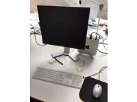 """DELL 19"""" Computer Monitor suitable for Mac or PC"""
