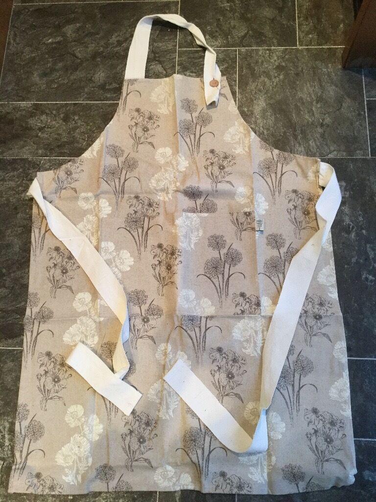 White apron glasgow - Rhs Floral Bib Apron