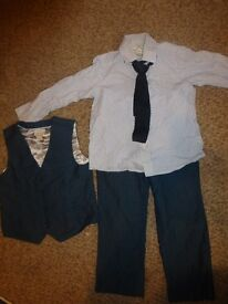 Boys Monsoon 4 piece suit Age 4-5 years