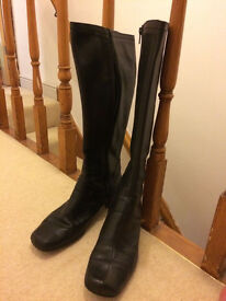 women boots size 8 -clarks