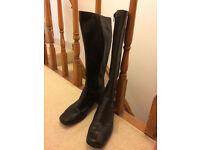 women boots size 8 -clarks
