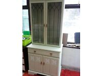 STYLISH SHABBY CHIC DRESSER WITH GLASS FRONTED DOORS,