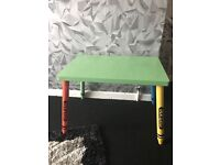 Crayon table
