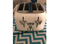 Delongi toaster x4